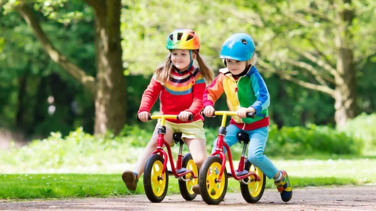 Как правильно выбрать беговел для ребенка 2-3 лет