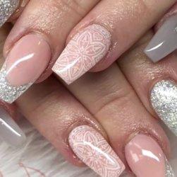 Как правильно накрасить ногти гель-лаком в домашних условиях