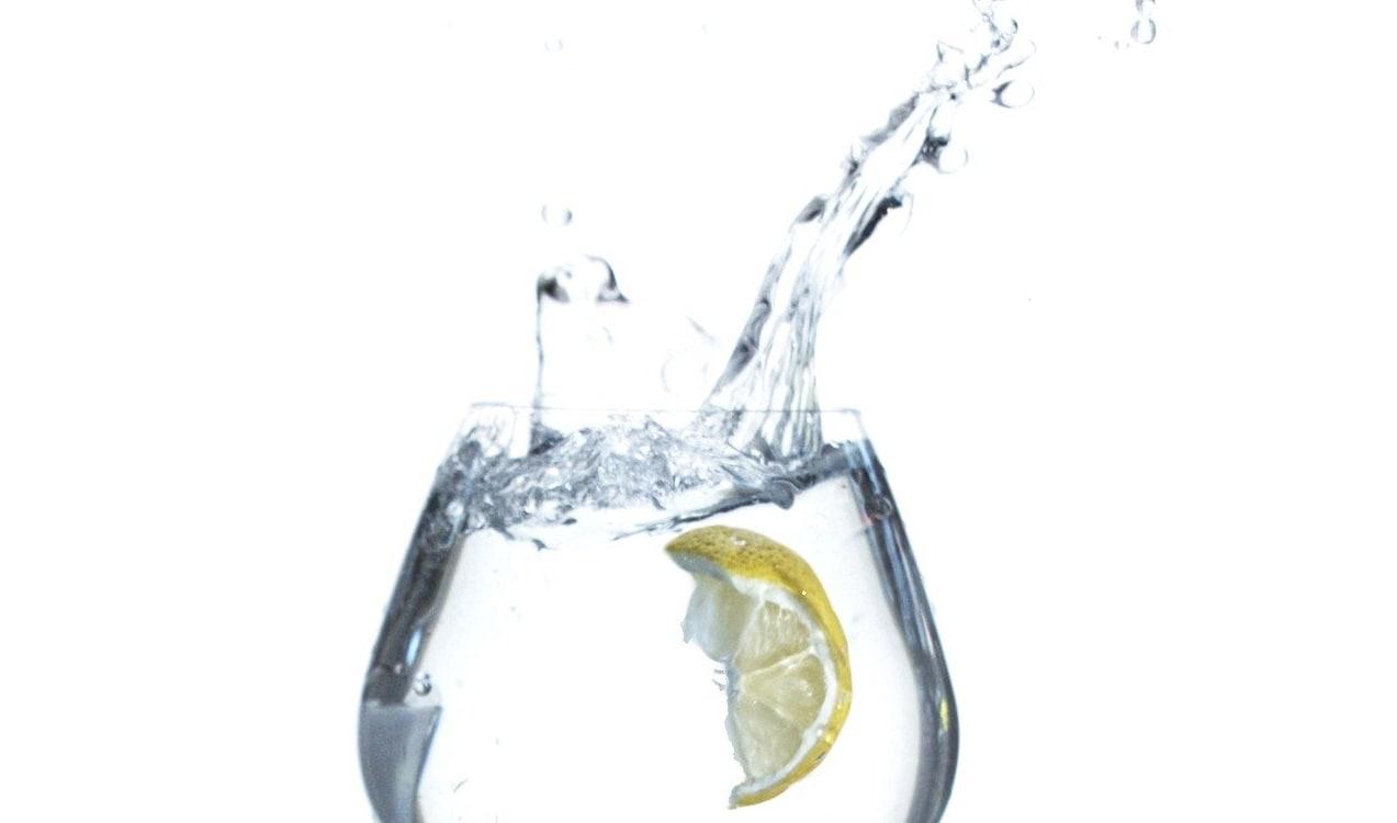 Осторожно! Вода с лимоном натощак. Польза или вред?
