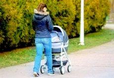 Прогулочные правила, или когда можно гулять с новорожденным ребенком на улице?