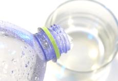 Сколько стаканов воды нужно выпивать в день?