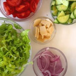 Спасут от жары: 5 продуктов, в которых много воды и мало калорий